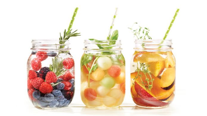 https---az826390.vo.msecnd.net-cdn-media-home-themes-mordez_dans_l_ete-pique_nique-fruits-dete-eaux-aromatisees-thumbnail-460x258-bs009067-pub68661.ashx?la=fr&w=460&hash=503A93E7C9683A3F4F333637978849020ADB607B.jpg